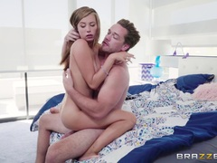 Hottie Carolina Sweets craves that huge dick of Kyle