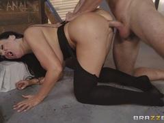 Deep slamming trapped beauty Sybil Stallone