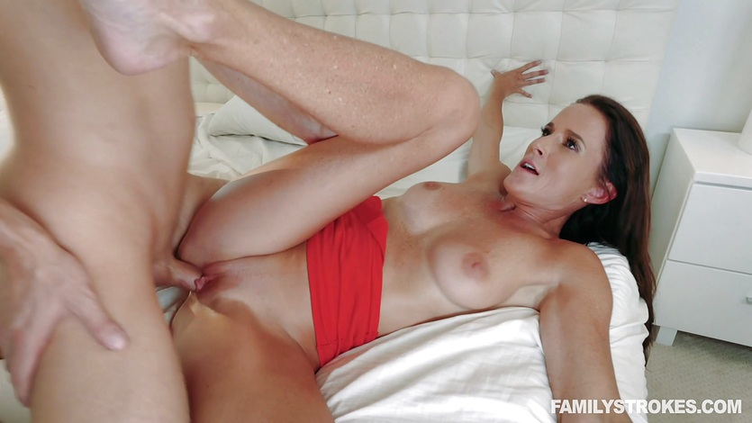 Keeping it in the family with hot horny fucking