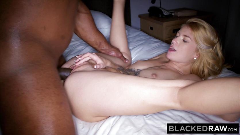 Sexy Blonde Gets Creampie