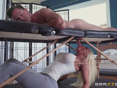 Sexy Nicolette Shea drains Kyle on the massage table