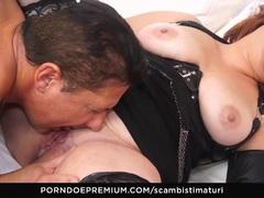 SCAMBISTI MATURI Italian BBW mature ass banged