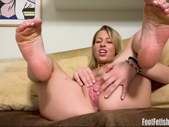 Zoey Monroe Foot Fetish Masturbation Sesh