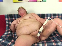 Fat BBW Velma Voodoo fucks her own hole