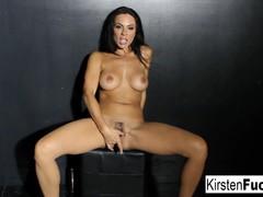 Hot brunette anal satisfies her sweet pussy