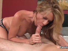 MILF Makes Men Spurt Their Seed With Her Hot Grip