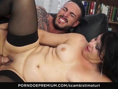 SCAMBISTI MATURI Cum in mouth for horny mature newbie