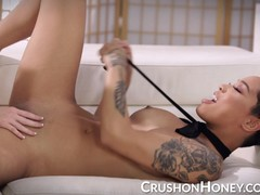 Hot Honey and Arya lesbian playtime