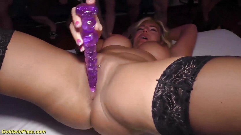 Flexi milfs first gangbang party