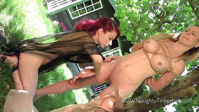 Babes enjoy lesbian fun