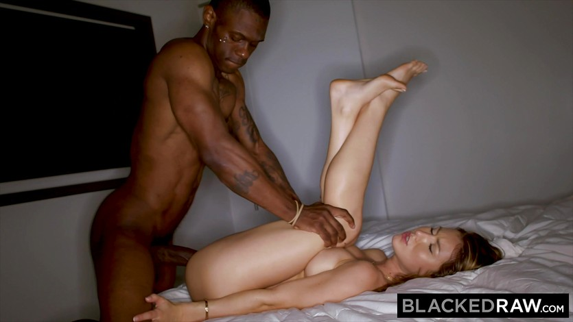 Amateur Wife Gets Blacked
