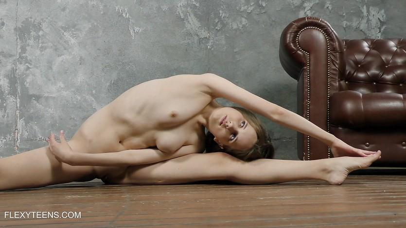 Solo Abel Rugolmaskina sexy naked splits