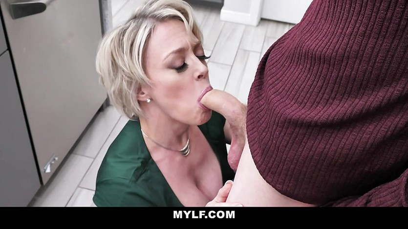 Hot Wife Sucking Young Cock