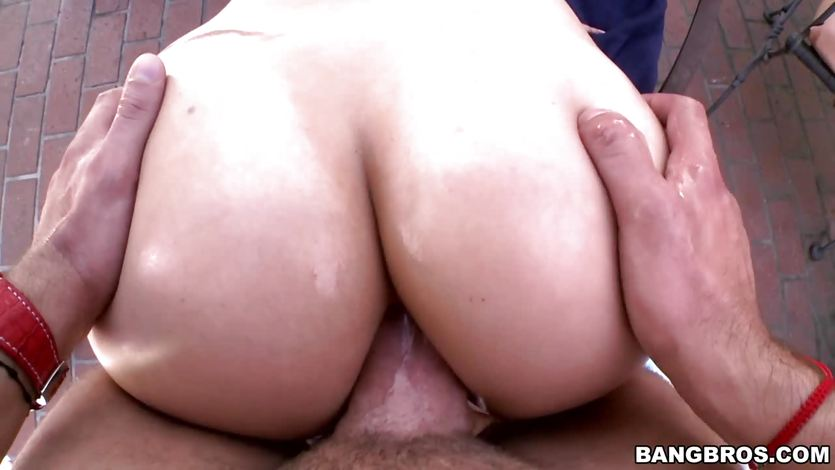 He cums all over London Keyes face after raming it up her ass